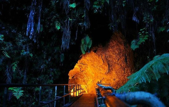 Kilauea Iki Trail: вход в тоннель