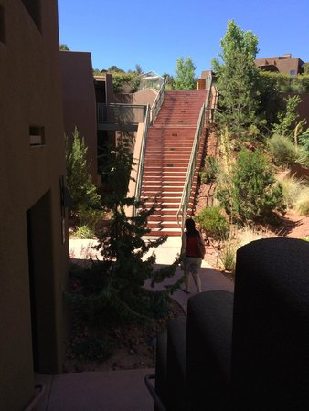 Hyatt Pinon Pointe: Stairs down to room