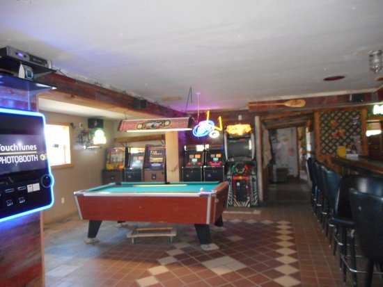 Port Bar and Restaurant: Pool Table