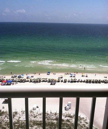 Grand Panama Beach Resort : View from room - beautiful greenish blue waters!