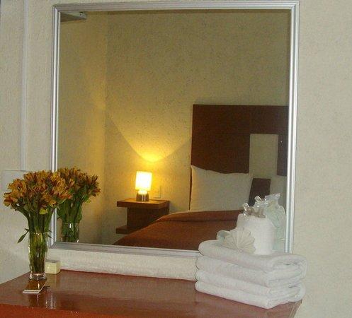 Hotel Casa de Oracion San Jose: habitación doble