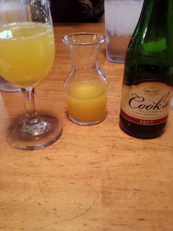 Log Cabin Cafe: Mimosa Special