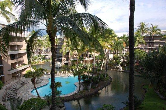 Hilton Waikoloa Village: view of hotel