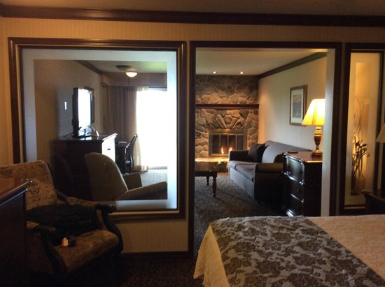 BEST WESTERN Edgewater Resort: King suite