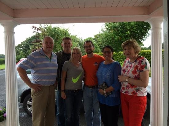 Tir Na Nog Bed & Breakfast: Tommy, Joan and the AZ crew