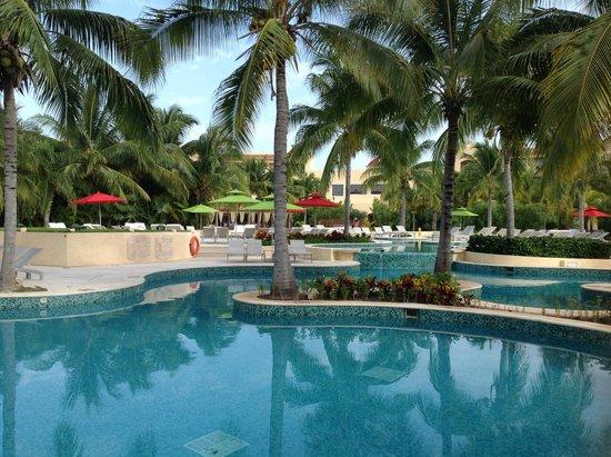 Hacienda Tres Ríos: Beautiful pools and grounds