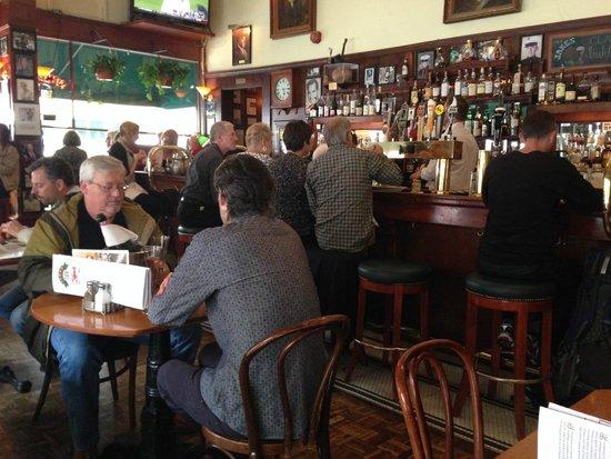 Jake's Famous Crawfish: Jake's Bar