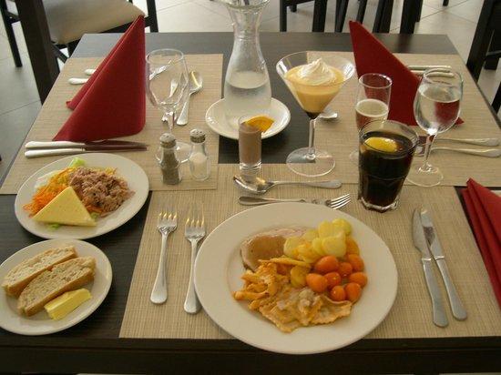 Hotel Kontiki Playa: Abendessen