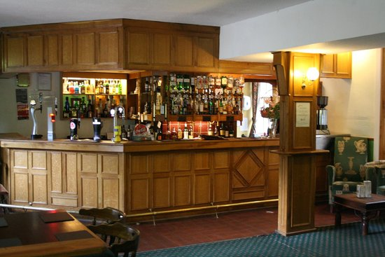 Tulloch Castle Hotel: the bar where we had lunch