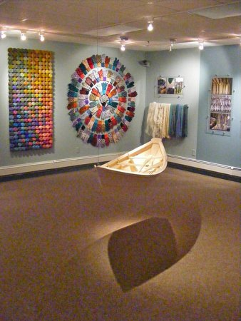 The Discovery Center : Art gallery