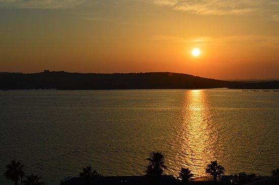 Dolmen Resort Hotel: Sunset