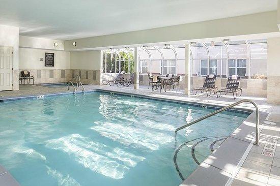 Homewood Suites by Hilton Grand Rapids: Saltwater pool