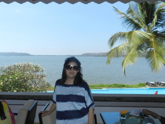 Goa Marriott Resort & Spa: view to the beach from reception