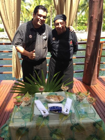 Hacienda Tres Rios: Marcos of the left and our Ceviches chef