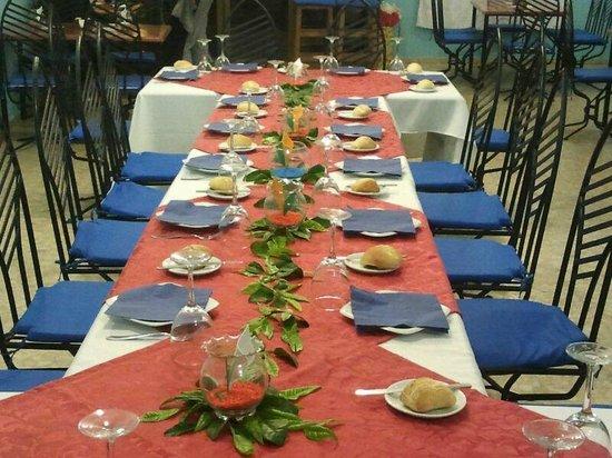 El Calanes: Mesa montada para celebracion