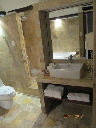 Hatun Inti Boutique Machupicchu: banheiro