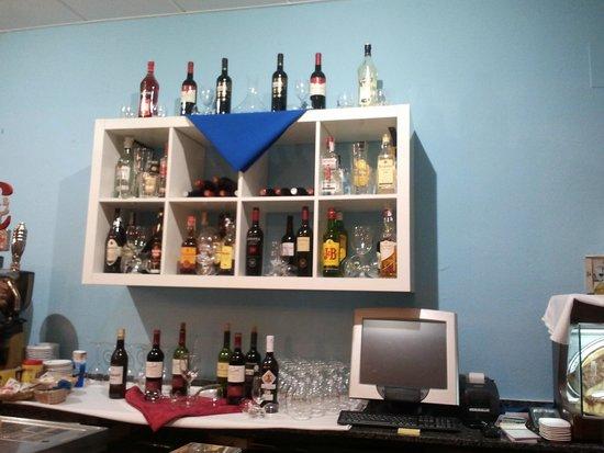 El Calañes: Vinos y licores