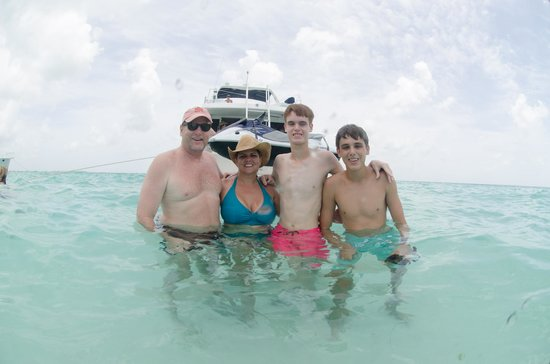 Cayman Private Charters : Family Time