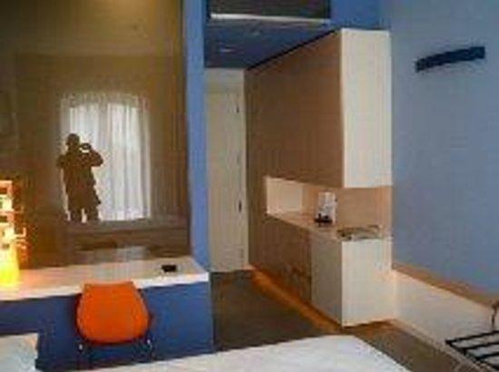 Blu Hotel Kaos: Camera