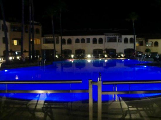 Los Amigos Beach Club: Piscina principal