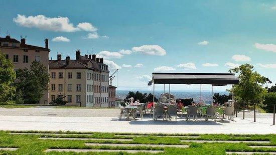 Cafe du Gros Caillou : Terrasse