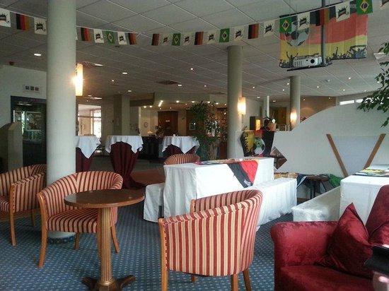Quality Hotel Dresden West: Lobby