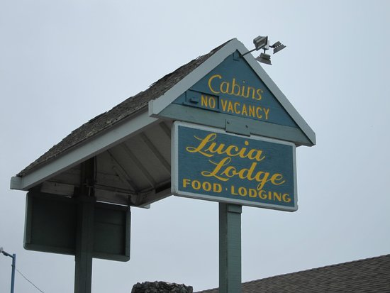 Lucia Lodge : The sign at reception