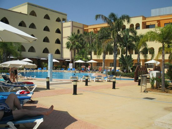 Playamarina Spa Hotel: zona piscina