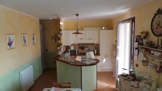 Cucina all\'americana - Foto di B&B La Casa di Menny, Moneglia ...