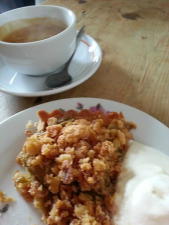 Ard Bia at Nimmo's: Rhubarb Crumble and a double espresso!