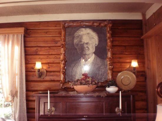 Quality Straand Hotel: Portrait of Straand Hotel Founder