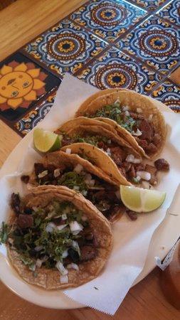 Taqueria El Sol: tacos