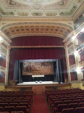 Casa Natale di Luigi Pirandello: visione di insieme del palcoscenico