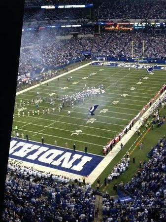 Lucas Oil Stadium Colts vs Rams