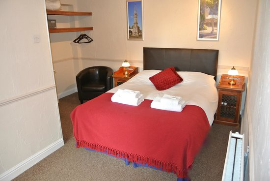 Fairlawns Guest House: Double room