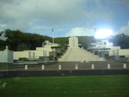 National Memorial Cemetery of the Pacific : A military cemetery as only the american's can build