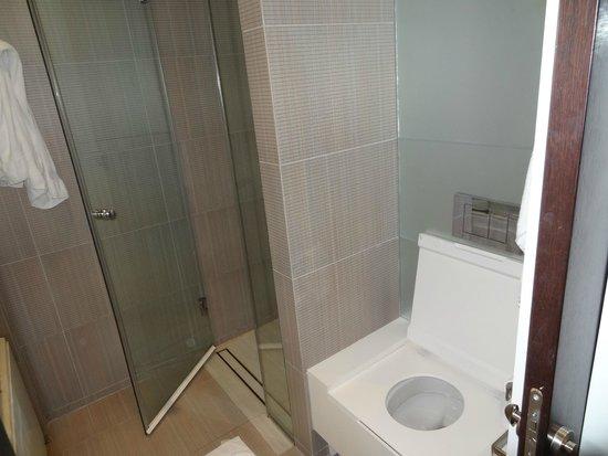 Amfora Hvar Grand Beach Resort: Banheiro do segundo quarto