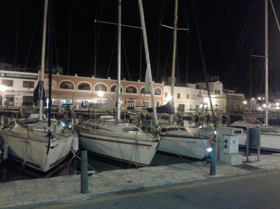 Restaurant Des Port : Frente al restaurante, Es Port de Ciutadella