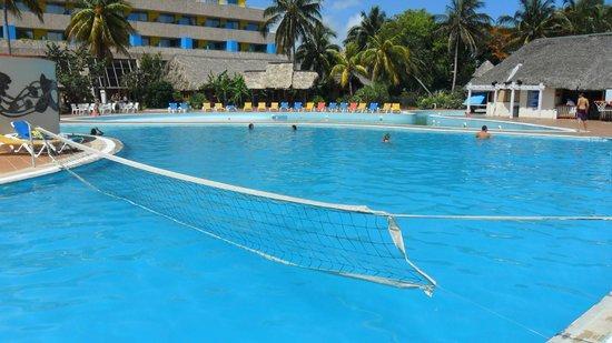 Hotel Tuxpan Varadero: piscine