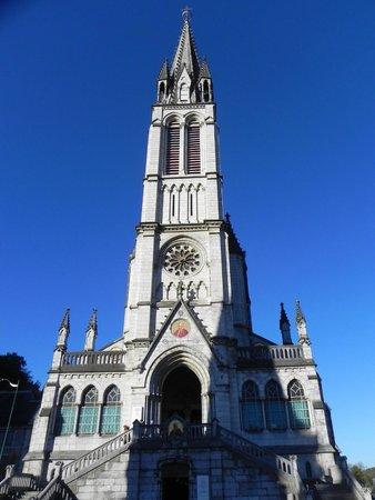 Sanctuaire Notre Dame de Lourdes : Torre central da Basílica