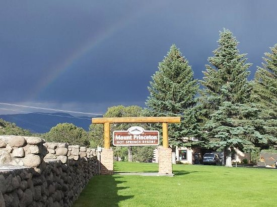Mount Princeton Hot Springs Resort: rainbow over sign