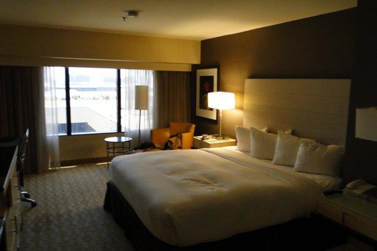 Hilton Los Angeles Airport : Room