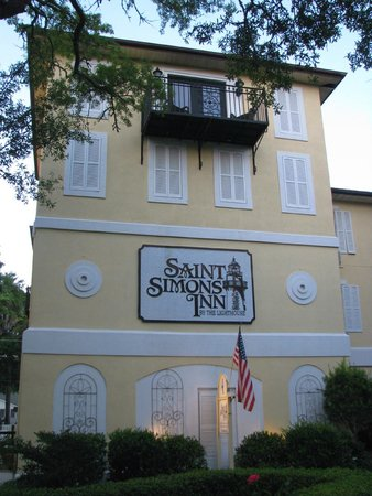 Saint Simons Inn by the Lighthouse: outside view