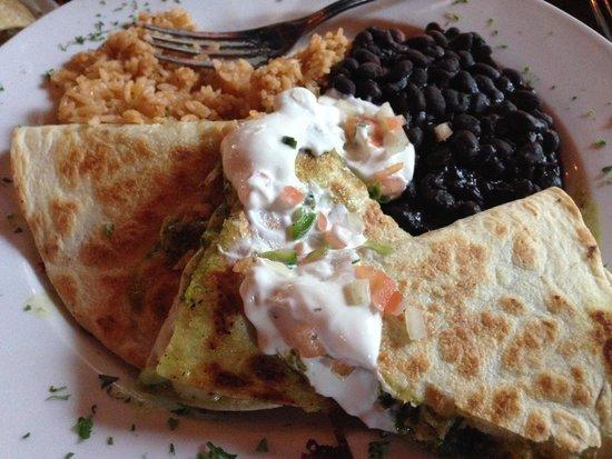 Luna Maya: Dinner