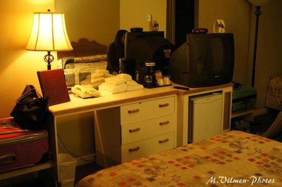 Hotel Motel Le Chateauguay: chambre
