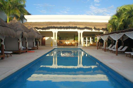 Grand Sunset Princess All Suites Resort: Platinum pool