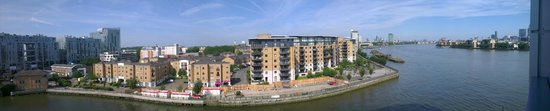 Apple Serviced Apartments Greenwich : balcony view