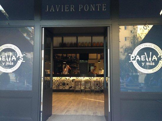 Paella's y mas: Fachada del Restaurante