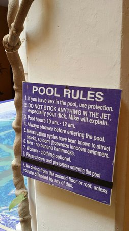 La Brisa Loca Hostel : Pool rules