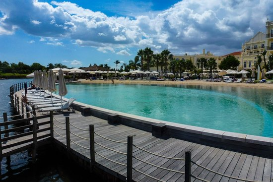 Blue & Green The Lake Spa Resort: Beach Pool